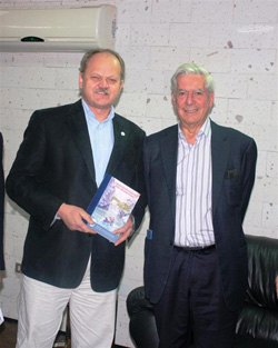 Jerzy Majcherczyk i Mario Vargas Llosa